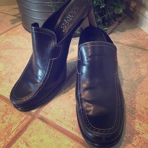 Black High Heel Shoes - 8 M